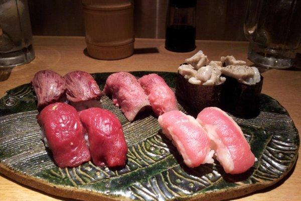 肉寿司拼盘,