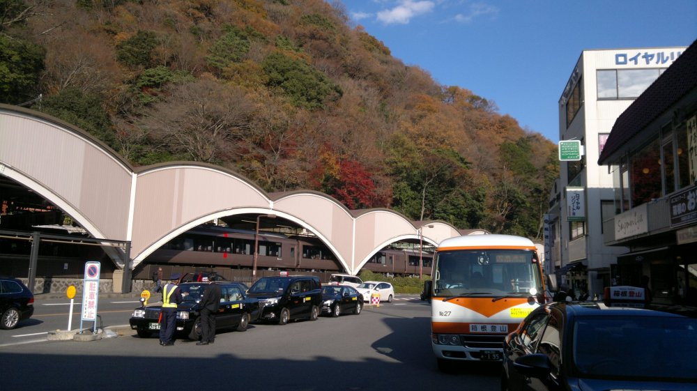 It was Hakone-Yumoto Station where people could take the bus to Ashi Lake