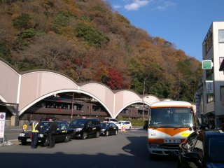 Stasiun Hakone-Yumoto, dimana bus menuju Danau Ashi dapat dinaiki dari sini
