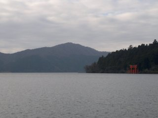 Here was the picture of Lake Ashi when I arrived. Mount Fuji was behind the thick clouds.