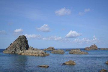 해안선에는 이런 바위들이 있다