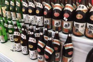 いろいろな種類の日本酒を飲み比べすることができます。