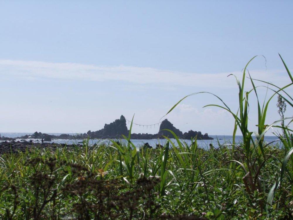 The Three Rocks (Mitsu-ishi)
