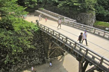 The bridge from the Tenbin Yagura