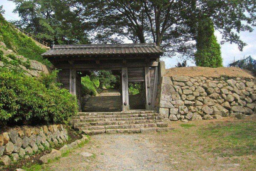 The original gate to Tottori Castle