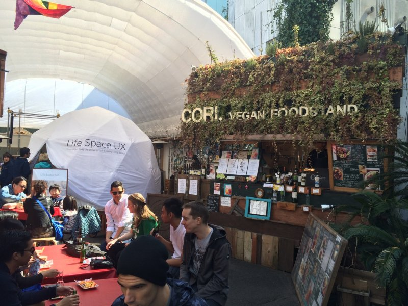 The area has lots of vegan and vegetarian dishes.