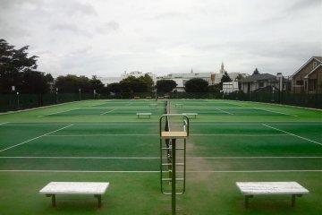 야마테공원의 테니스장