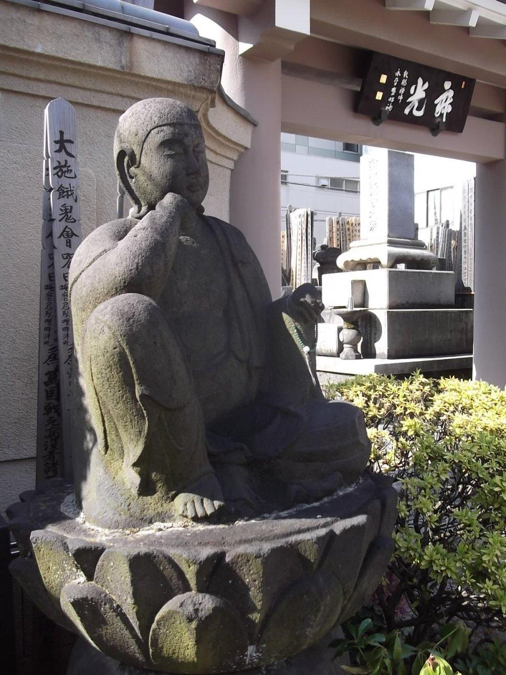 Bức tượng ở nghĩa trang
