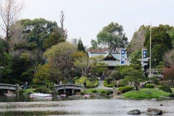 Lakes and bridges at Suizenji Park, Kumamoto