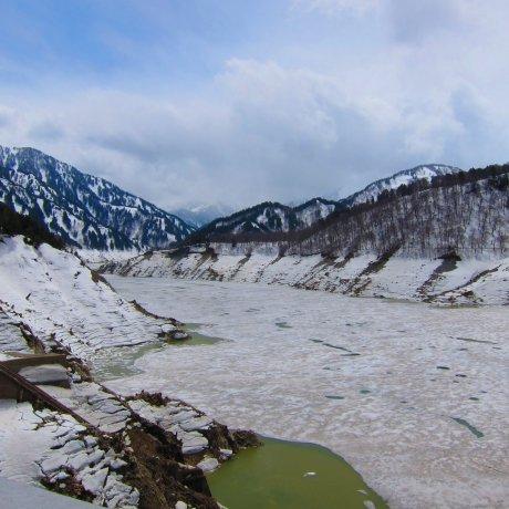 Views of Tateyama Kurobe Alpine Route