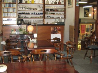 We visited the gift shop at the public quarry and relaxed for a while with some refreshments in this attached coffee shop