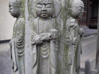 Những bức tượng Phật giáo với hình thù quái lạ