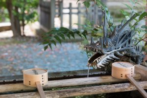 Chōzuya for worshippers to wash their hands and mouth