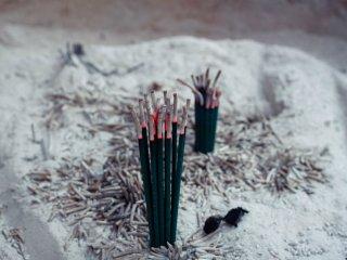 Des bâtons d'encens