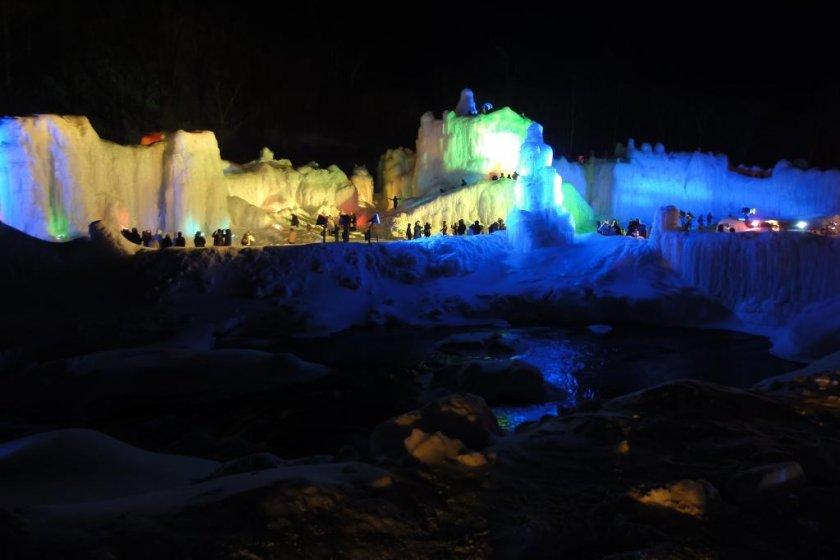 Festival Sungai Es.