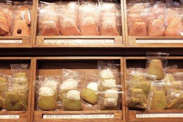 富士山曲奇餅單獨販賣:紅茶以及抹茶口味
