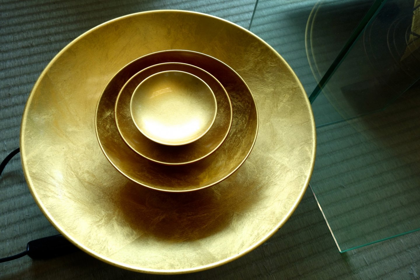 Plate set coated in Kanazawa gold leaf