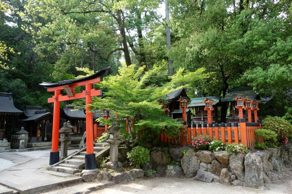 """""""Odasha"""" shrine housing the soul of Oda Nobunaga, one of the most remarkable samurai in the history of Japan"""