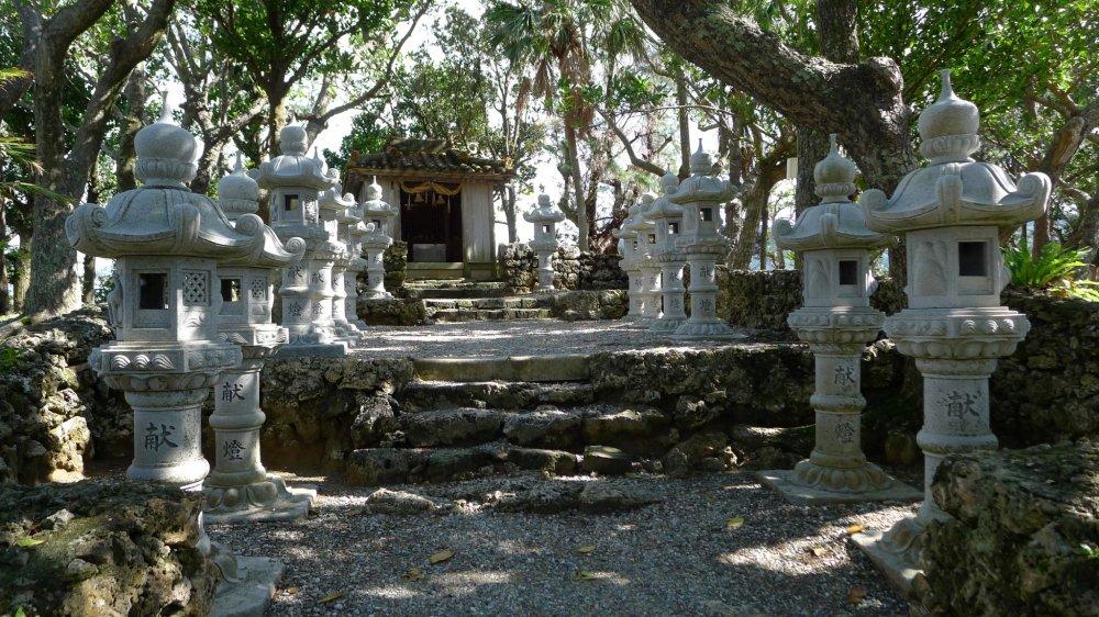 Discret sanctuaire pour les kamis tropicaux