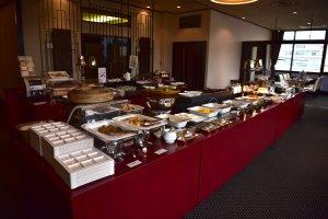 Buffet breakfast at Chinese restaurant, Juen