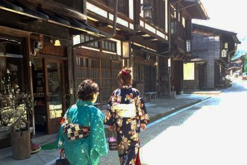 Narai Post Town in Kiso, Nakasendo close to Matsumoto, is also a great match for kimono.