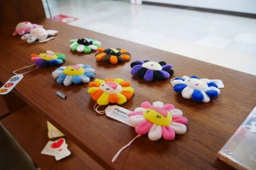 One of the many flower keepsakes sold in both Bar Zingaro and Zingaro Space