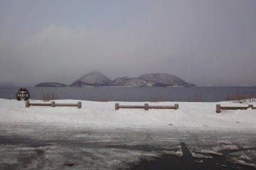 Toya-ko and Nakajima Island