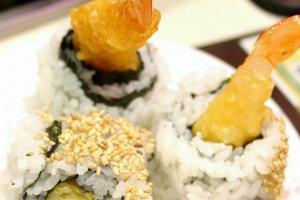 Sushi with shrimp tempura