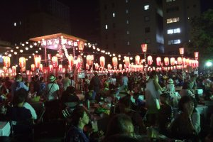 Many of the festivals held in Tokyo include lanterns at night.