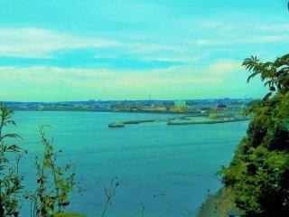 Enoshima island's seaside view is so serene.