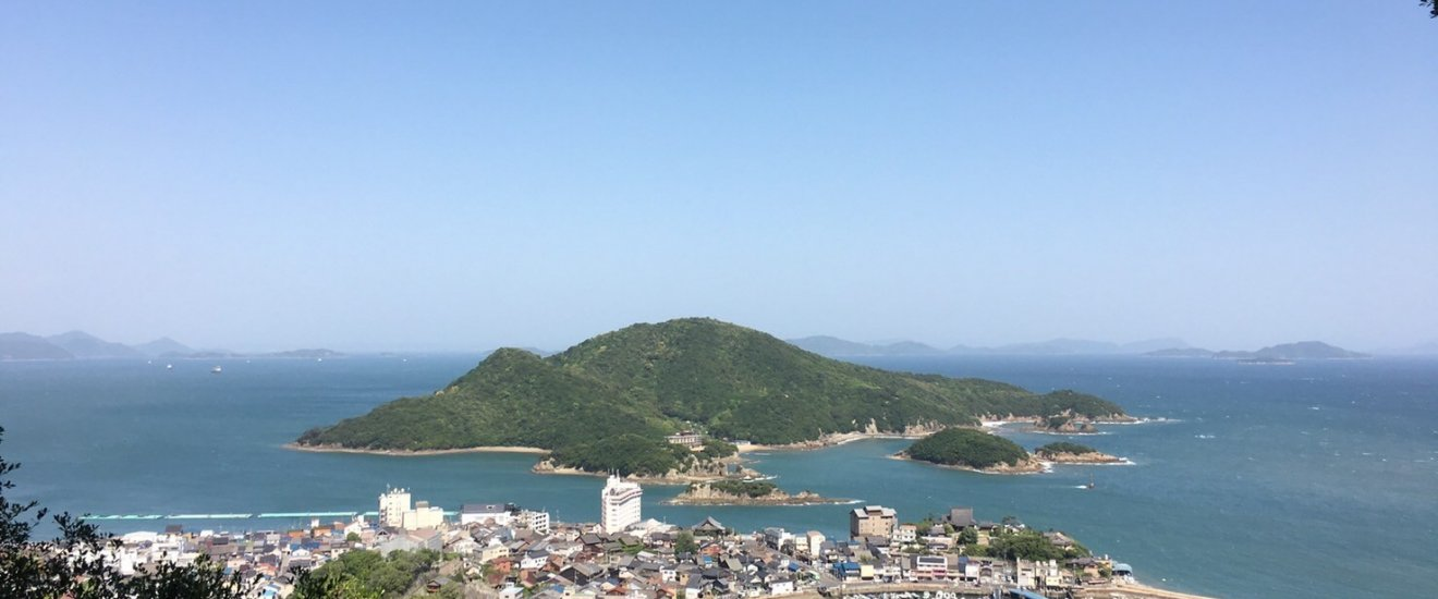 A beautiful view of Tomonoura from Ioji\'s observation deck