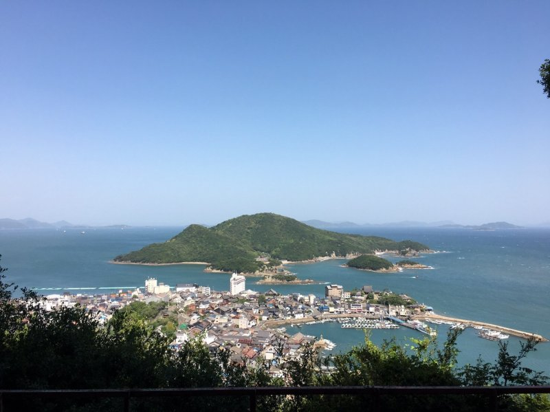 A beautiful view of Tomonoura from Ioji's observation deck