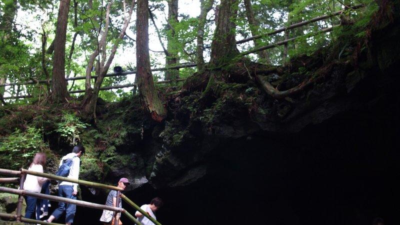 Вход в пещеру Нарусава