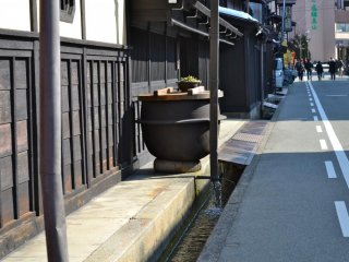 Quaint and beautiful @Old Town, Takayama. See the drainage system ?