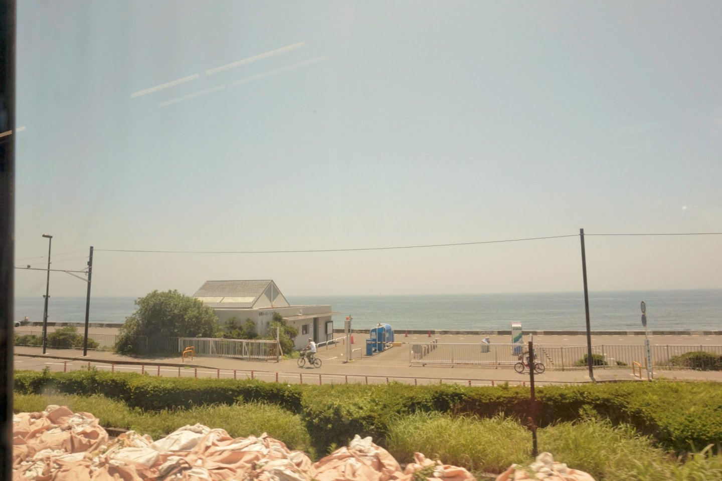 Beautiful view of the ocean, on our way to Kamakura