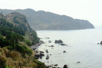 The hauntingly beautiful cliff lines near Niizaki Shrine