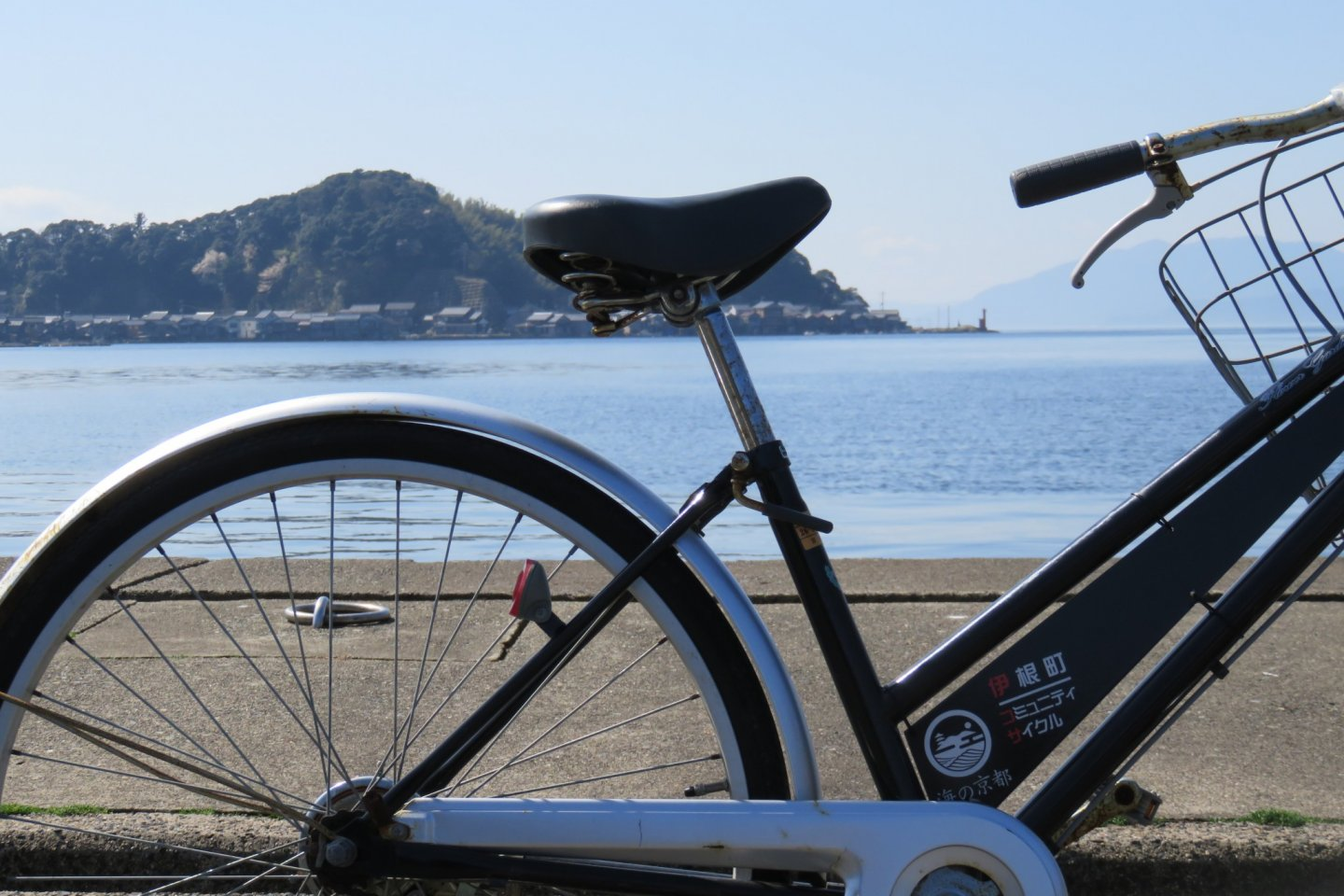 The level shoreline is perfect for the recreational cyclist