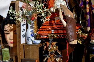 Amazingly intricate model samurai armour