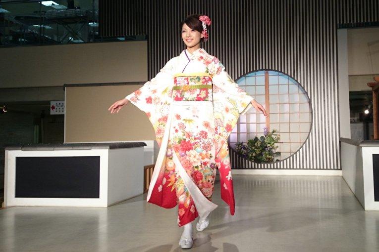 Peragaan Busana Kimono