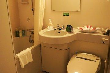 飯店的廁所乾淨整潔