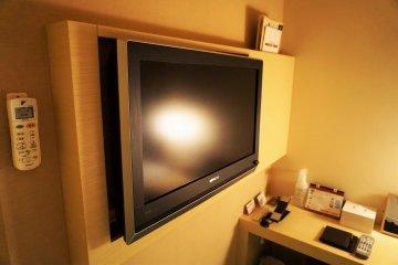 回到飯店後還可以看日本的電視台