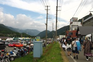 Fujirockers walk to the venues. Others camped on the mountain slopes