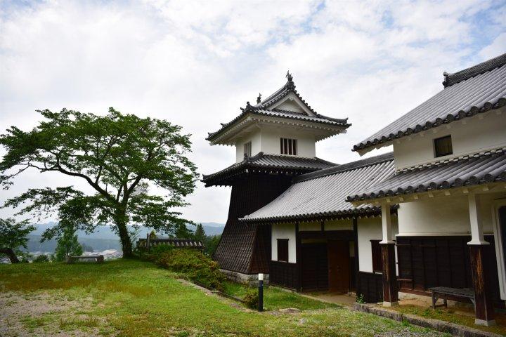 Iwamura: The Misty Castle Town