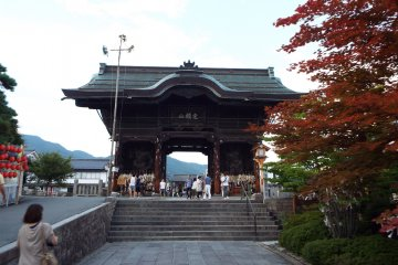 Entrance to Zenkoji Temple.
