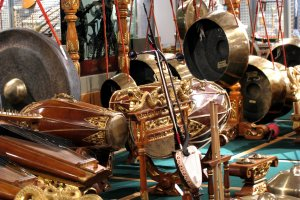 The collection of Asian instruments