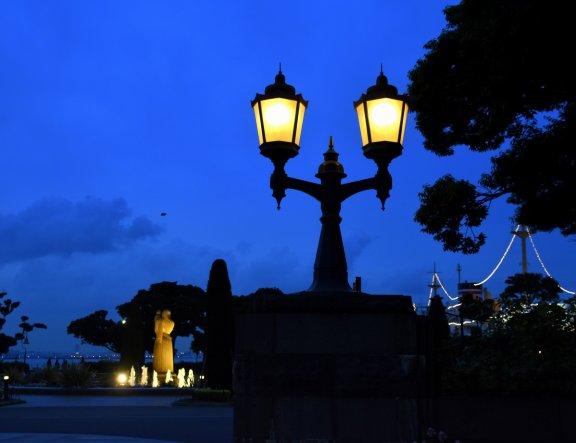横浜ベイサイドのロマンティックな夜