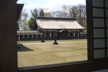 <p>Looking across the inner courtyard from the corridor</p>