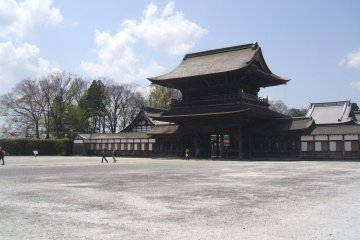<p>Looking to the Somon, across the inner courtyard, from the back of the complex</p>
