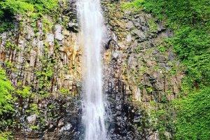 The Tamasudare no Taki waterfall