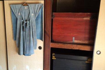 衣服和櫥櫃